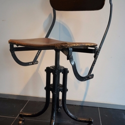 Bienaise Chair 1930 in iron and first simili leather, France